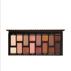 """Too Faced Born This Way """"The Natural Nudes"""""""